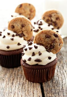 Chocolate chip cookie cupcakes with fresh-baked chewy chocolate chip cookies atop -  2 treats in   http://chocolatecakecollections.blogspot.com