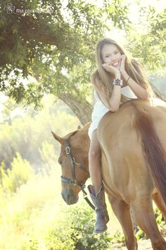 Girl and her horse senior photo
