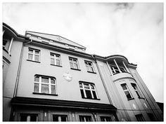 #Katowice, ul. Starowiejska #townhouse #kamienice #slkamienice #silesia #śląsk #properties #investing #nieruchomości #mieszkania #flat #sprzedaz #wynajem Ul, Clouds, Mansions, House Styles, Outdoor, Home Decor, Outdoors, Decoration Home, Manor Houses
