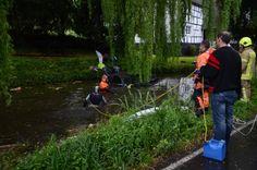 Blaulichtticker: Ratingen: Pkw-Fahrer landet im Teich