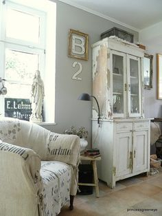Lots of great elements in this vignette, but check out the chip on that cabinet,,,