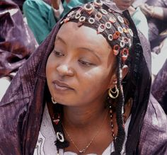 Africa | Tuareg woman. Anderamboukane Festival, Niger | ©Syydehaas