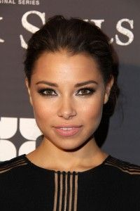 jessica parker kennedy - Google Search Jessica Parker Kennedy, Beautiful Celebrities, Beautiful People, Beautiful Ladies, Black Sails Starz, Flash Tv Series, Fierce Women, Future Wife, Female Images