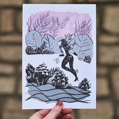 La voici la voilà ! La jolie carte dHélène Ducrocq inspiré du mythe de Daphné et Apolon. Quoi de mieux quune histoire damour pour illustrer les cartes Momonga ?  Vous êtes plusieurs à nous envoyer une petite photo de vos colis ça nous fait tout chaud au coeur de voir que nos cartes vous plaisent alors continuez ! #postcard #print #illustration