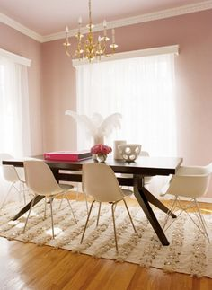 Modern And Minimalist Dining Room Design Ideas - Kitchen Design Ideas & Inspiration Pink Dining Rooms, Minimalist Dining Room, Minimalist Living, Minimalist Apartment, Minimalist Style, Minimalist Decor, Minimalist Design, Moroccan Wedding Blanket, Pink Room