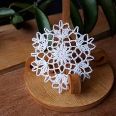Miniature crochet dollhouse white doilies handmade with cotton embroidery thread and a tiny hook. Extra fine handmade Miniature dollhouse crochet lace doily (scale 1:12) Size: (about) 1 1/2 inches (4 cm) Hand crocheted and ready to ship. This beautiful handmade miniature textured