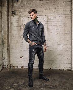 VINTAGE BLACK SHIRT Denim Shirt, Mens Fashion, Style Fashion, Vintage Black, Winter Jackets, Husband, Guy Style, Boys, Model