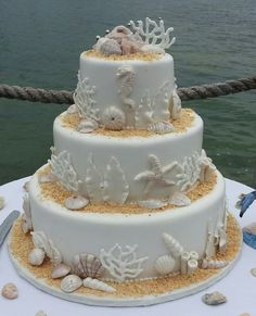 - Beach theme wedding cake