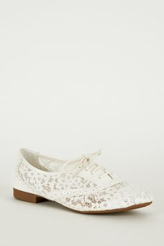 White Oxford Lace-Up Shoe