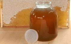 Toto je veškerá pravda o medu – Nebudete tomu věřit, ale je to tak! Home Medicine, Hot Sauce Bottles, Ale, Mason Jars, Tableware, Boho, Health, Woodworking, Google