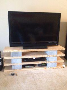 Diy shelf with concrete blocks home decor pinterest for Cinder block tv stand