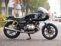 R100RS cafe