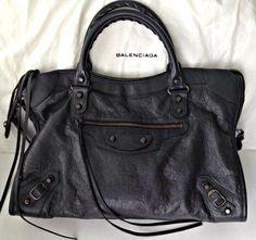 #Balenciagawomenhandbag #GoodPrice