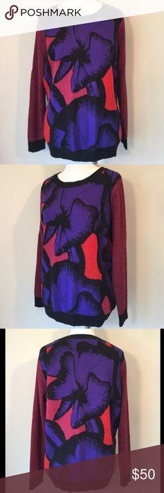 Diane von Furstenburg Sweater This is a colorful floral Diane von Furstenburg wool sweater. Diane von Furstenberg Sweaters Crew & Scoop Necks
