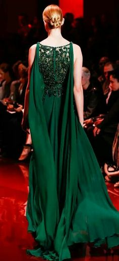 Gorgeous emerald green dress by Ellie Saab.  Love the lace. Such a bold color.