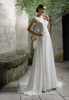 Abito da sposa sartoriale modello 7004 della collezione Nadia Orlando prodotto dall'atelier Creazioni Elena