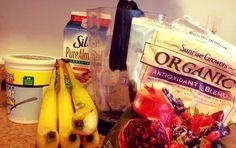 Broke and Bougie: Berry Banana Breakfast Smoothie