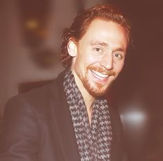 We need Loki scarves!!