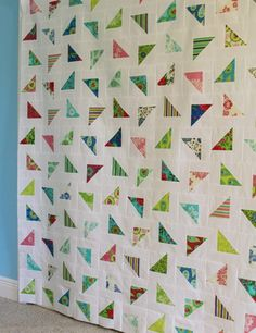 notes of sincerity: Scattered Quilt using Lily Asbury's Summer House fabric and Bella solid.