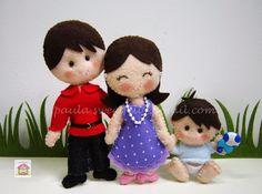 Papá, mamã e bebé com as roupinhas favoritas.  Papá - 17,5cm  Mamã  15,5 cm  Bebé. 9,5 cm   (work in progress)