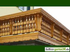 """Holzbalkon """"Kufstein"""" Balkongeländer - Holzart: nord. Fichte. Finden Sie alle unsere Produkte im Webshop unter https://balkon-garten24.de"""