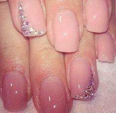 5 Beautiful Wedding Manicure Ideas