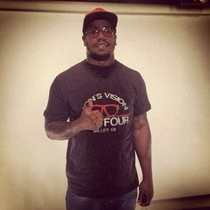 #Denver #Broncos LB Von Miller stopped by the #SportsIllustrated office in #NYC. (Maggie Gray/SI) #NFL #Glasses
