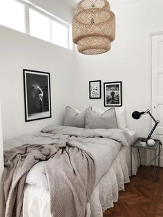 decor ideas videos decor ideas decor ideas with black sofa ideas for decor ideas decor for fall ideas decor ideas small bedroom decor ideas with ladder decor Black Couches, Black Sofa, Home Interior, Interior Design, Interior Modern, 70s Decor, Aesthetic Bedroom, Minimalist Bedroom, Modern Bedroom