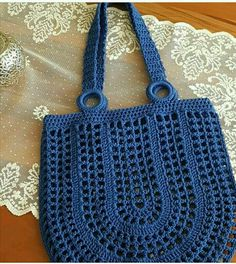 # Häkeltasche How to Make Crochet Bag: Step by Step Photos- Como Fazer Bolsa de Crochê: Passo a Passo Fotos # Häkeltasche How to Make Crochet Bag: Step by Step … - Bag Crochet, Crochet Market Bag, Crochet Shell Stitch, Bobble Stitch, Crochet Handbags, Crochet Purses, Crochet Crafts, Crochet Flor, Diy Crafts