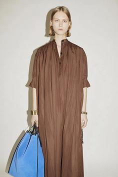 Jil Sander, Cool Silhouettes, Vogue Russia, Fashion Show Collection, Vogue Paris, Mannequins, Ready To Wear, My Style, Womens Fashion