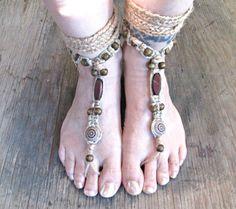 Mens barefoot sandals - Unisex barefoot sandals - Hemp Barefoot Sandals - Hippie Foot Jewelry - Beach Wedding Shoes - Beach shoes de EarthChildArt en Etsy https://www.etsy.com/mx/listing/193626026/mens-barefoot-sandals-unisex-barefoot