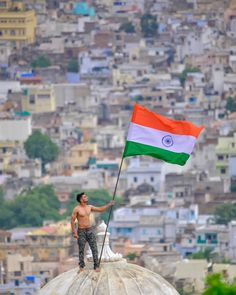 Not expecting this to spread but here's another one from the series. It has a different look where the old city's… Indian Flag Wallpaper, Indian Army Wallpapers, Independence Day Wallpaper, Independence Day India, Army Couple Pictures, National Flag India, Indian Flag Photos, Independence Day Images Download, Indian Freedom Fighters