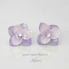 ハンドメイドマーケット+minne(ミンネ)|+【送料無料】紫陽花イヤリング(薄紫)