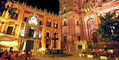 En la Plaza del Obispo se encuentran La Catedral y el Palacio Obispal. Es además un lugar con mucho ambiente.