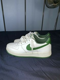 Dr Shoes, Swag Shoes, Hype Shoes, Me Too Shoes, Shoes Heels, Pumps, Green Nike Shoes, Nike Green, Sneakers Fashion