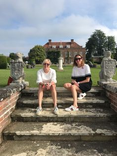 Suzy and Lou at Hole Park for the Wealden Times Midsummer Fair.