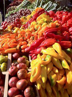Farmers Market, Portland, Oregon.  Photo:  PhotoScenics, via Flickr