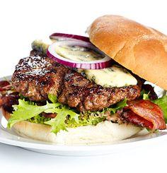 I dag er det en saftig hjemmelaget burger med en overraskende smak som står på menyen.