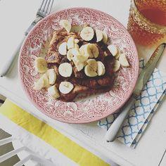 Schoko-Banana-Pfannkuchen  Mein Anti-Erkältungsfrühstück  Kommt gut in den Tag!️  #banana #breakfast #food #foodie #frühstück #goodmorning #gutenmorgen #home #kitchen #kitchentable #myhome #pancakes #pfannkuchen #table #thursday
