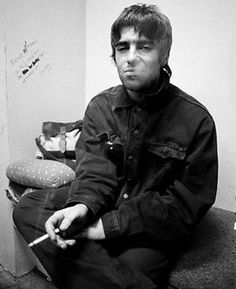 My name is Kassie. I'm 32 and a life-long Beatles fan and Rock N Roll. Gene Gallagher, Lennon Gallagher, Liam Gallagher Oasis, Banda Oasis, Rock Music, My Music, Oasis Live Forever, Liam And Noel, Oasis Band