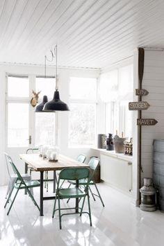 Minimalistic dining room inspiration
