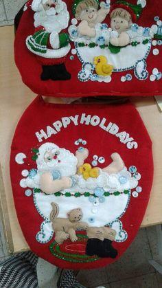 APRENDE HACER SET DE BAÑO NAVIDEÑO CON MOLDES PASO A PASO CURSO GRATIS DE COSTURA Christmas 2019, Christmas Crafts, Christmas Ornaments, Bathroom Crafts, Felt Christmas Stockings, Felt Decorations, Felt Crafts, Happy Holidays, Maya