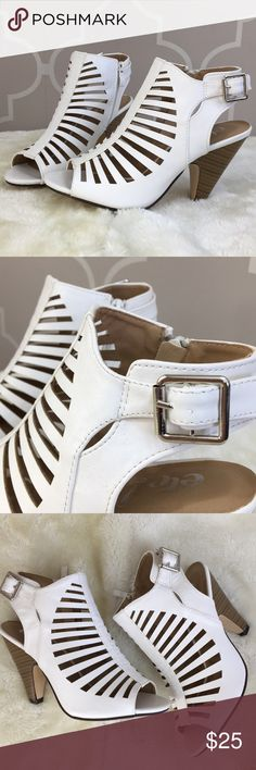 BRAND NEW White Strappy Wedge shoe S 6/7 Perfect addition to your Spring and Summer wardrobe!  Bought these online and they didn't fit me. My loss is your gain!    Size S 6/7   Zips on the side. Adjustable buckle on other side. Etc! Shoes Wedges