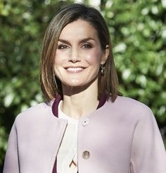 Queen Letizia of Spain at a meeting with the Foundation for Help Against Drug Addiction (FAD) - Princess Of Spain, Queen Letizia, Crown, Fashion, Moda, Corona, Fashion Styles, Fasion, Crowns