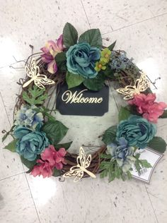Small wreath with welcome sign