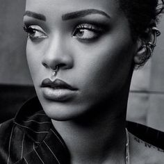 """Rihanna's Still Not Happy With Her New """"ANTI"""" Album According To Her Dad - http://oceanup.com/2015/11/04/rihannas-still-not-happy-with-her-new-anti-album-according-to-her-dad/"""