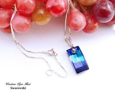 Collier avec Cristal Swarovski de couleur Bleu Bermude et chaîne ajustable en Argent sterling 925 -Collier pour maman -C-05 Swarovski, Pendant Necklace, Etsy, Jewelry, Sterling Silver Chains, Color Blue, Crystals, Mom, Pendant