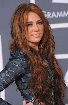 Miley+Cyrus+Long+Hairstyles+Long+Wavy+Cut+2gFH_S3ma0Jl.jpg 386×594 pixels