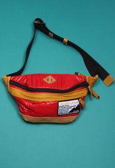 Keep Calm /& Love Cupcakes Sport Waist Bag Fanny Pack Adjustable For Travel