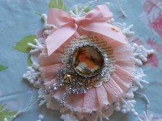 gorgeous  http://paintinpatti.typepad.com/.a/6a00d8341edf4553ef0148c7034401970c-pi